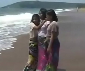 Indian Babe sex with tourist..